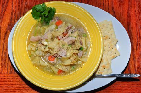 Chicken noodle soup (slimming world friendly)