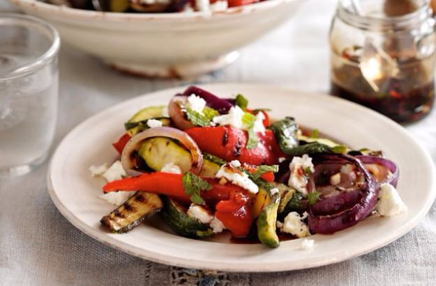Slimming World courgette, red pepper and Feta salad