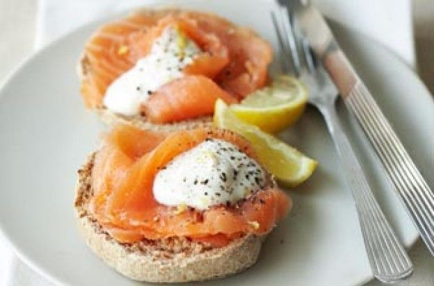 Slimming World's muffins with smoked salmon