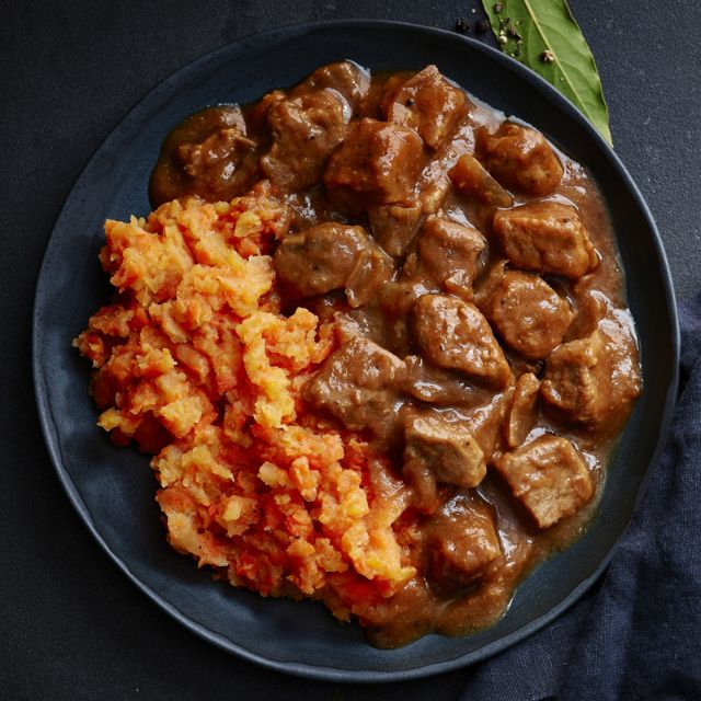 Slimming World recipe:  Braised steak and root veg mash
