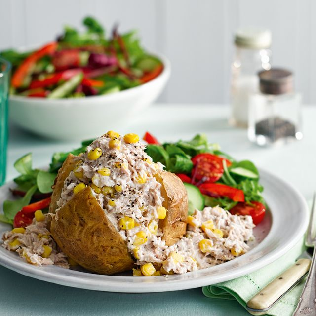 Slimming world recipe: Tuna and sweetcorn jacket potato