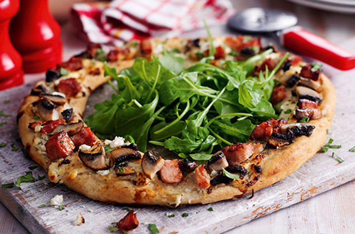 Slimming World recipe: Ham and Portobello mushroom ring Pizza