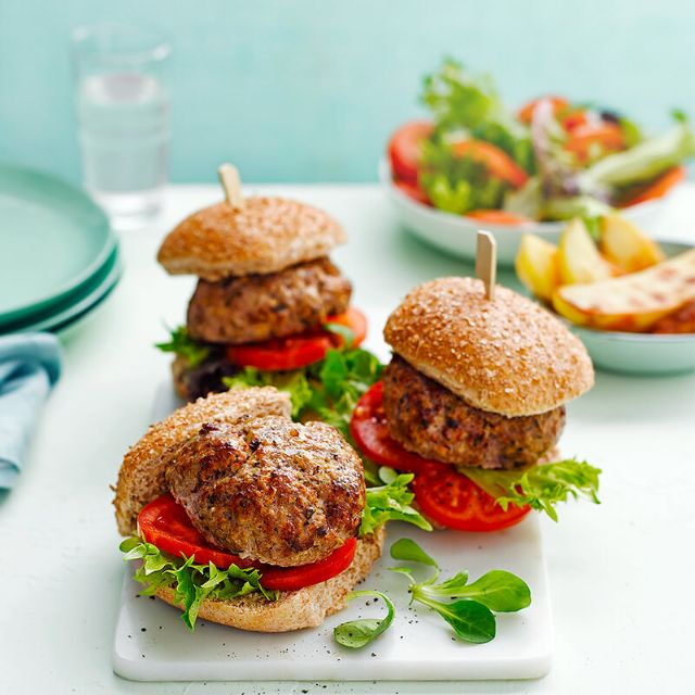 SW recipe: Pork and apple burgers with potato wedges