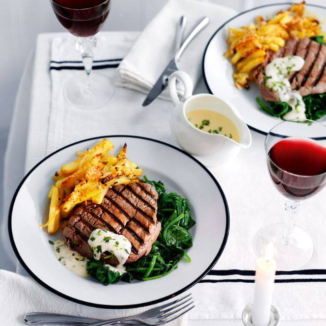 SW recipe: Steak 'Bearnaise' with potato bake and wilted spinach