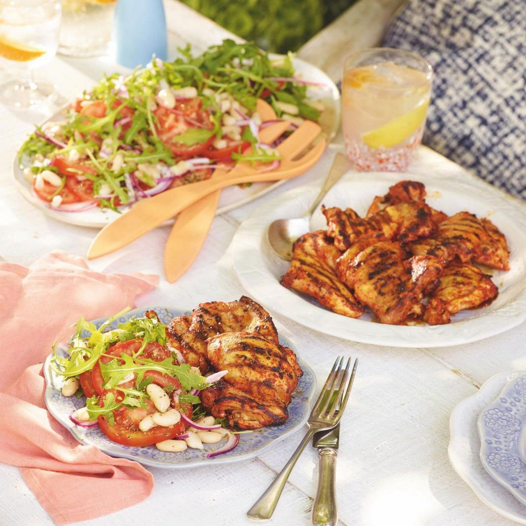 SW recipe: Paprika chicken with bean and tomato salad